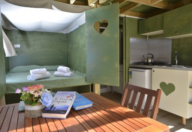 Lodge Tent Airsuite   Torre del Porticciolo